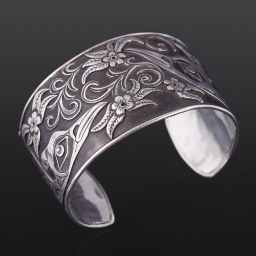 hummingbird pair overlay bracelet kelvin thompson saulteaux/haisla silver 6 1/4 x 3/4 2400 northwest coast jewelry bracelet