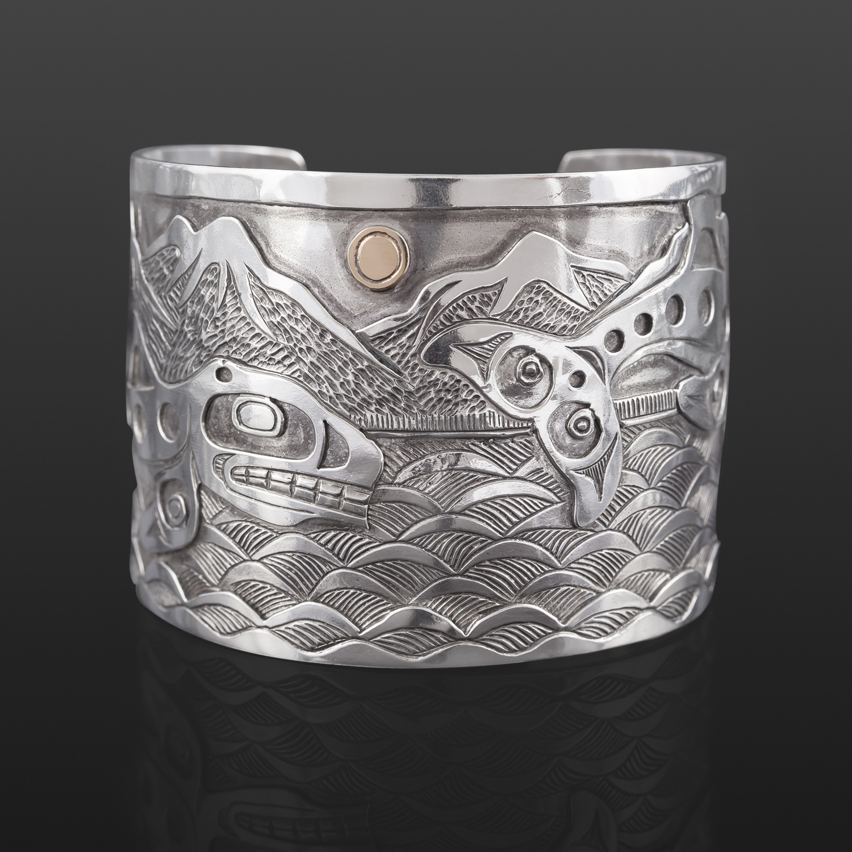 "Orca Family Bracelet Kelvin Thompson Saulteaux / Haisla Silver, 14k gold 2"" x 6"""
