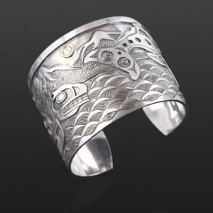 "Orca Family Bracelet Kelvin Thompson Salteaux / Haisla Silver, 14k gold 2"" x 6"""